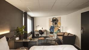 1 soveværelse, premium-sengetøj, med varierende dekoration, skrivebord
