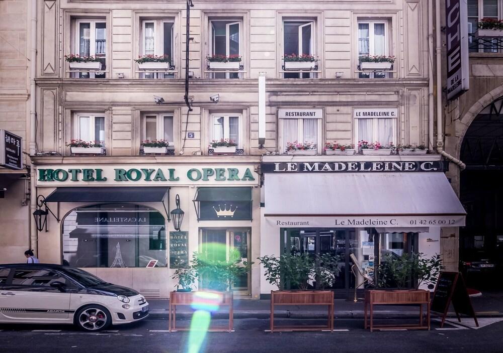 hotel royal opera par s francia. Black Bedroom Furniture Sets. Home Design Ideas