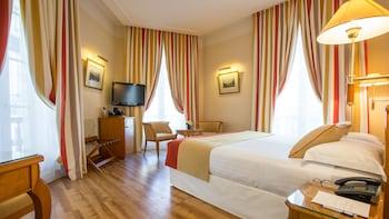 友達と3人旅。パリでトリプルルームのある格安ホテルは?