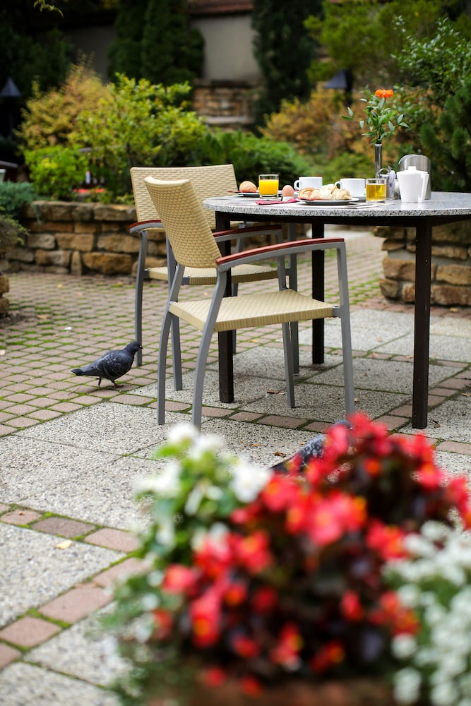 Outdoor Dining, Adina Apartment Hotel Budapest