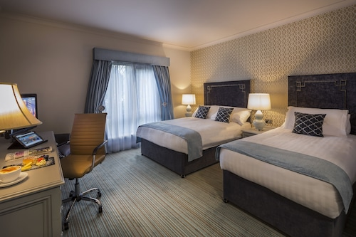 Oak Wood Hotel