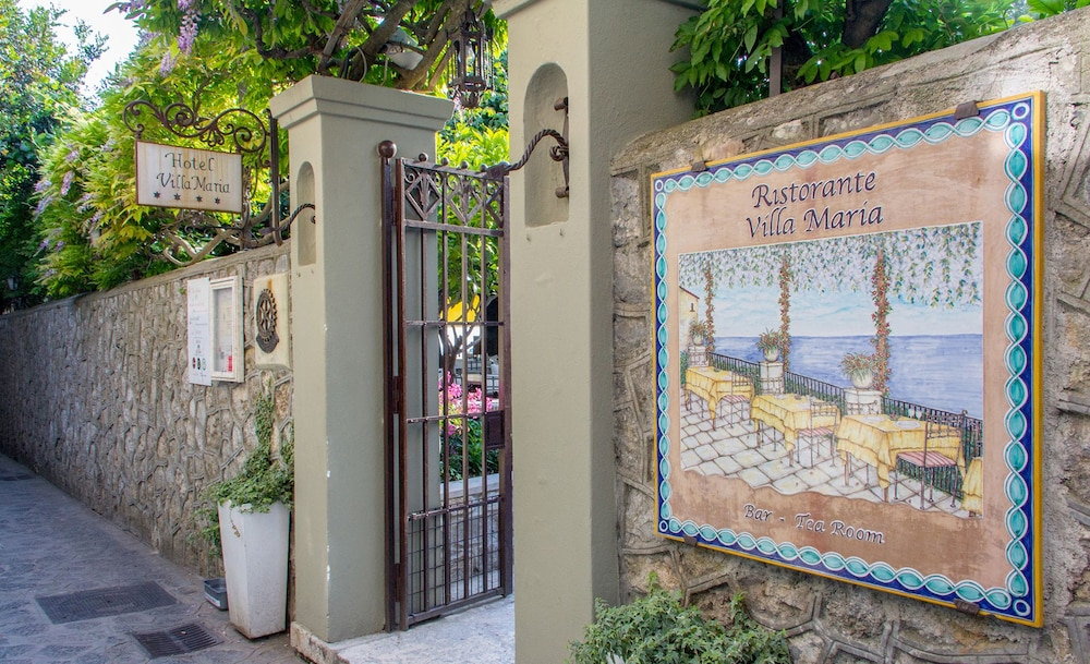 Property Entrance, Villa Maria Hotel