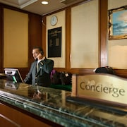 Meja Concierge