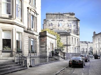 7 Rothesay Terrace, Edinburgh, EH3 7RY, Scotland.