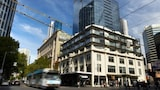 City Edge on Elizabeth - Melbourne Hotels