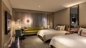 Premium bedding, down duvet, Tempur-Pedic beds, minibar