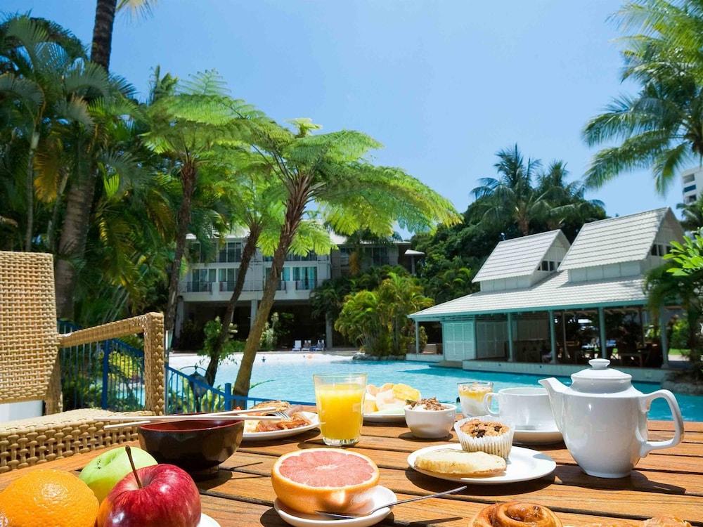 Cairns hotels last minute deals