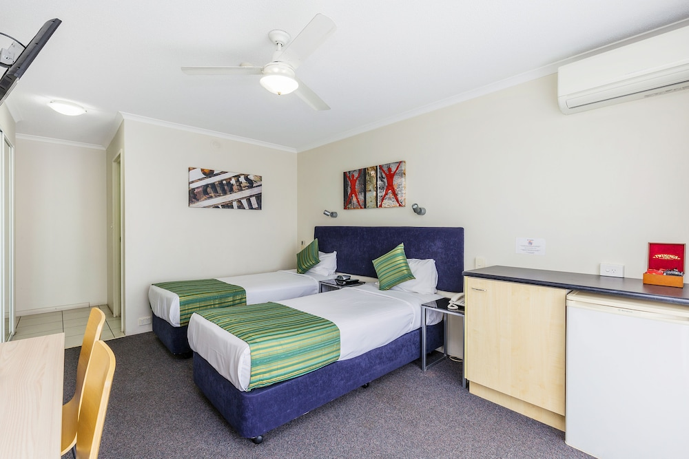 Room, The Wellington Apartment Hotel