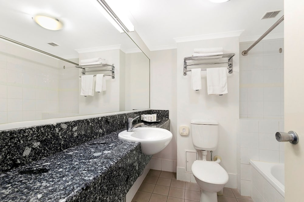 Bathroom, The Wellington Apartment Hotel