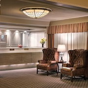 Royal Scot Hotel & Suites