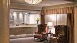Royal Scot Hotel & Suites - Victoria Hotels
