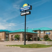 Days Inn & Suites by Wyndham Brandon