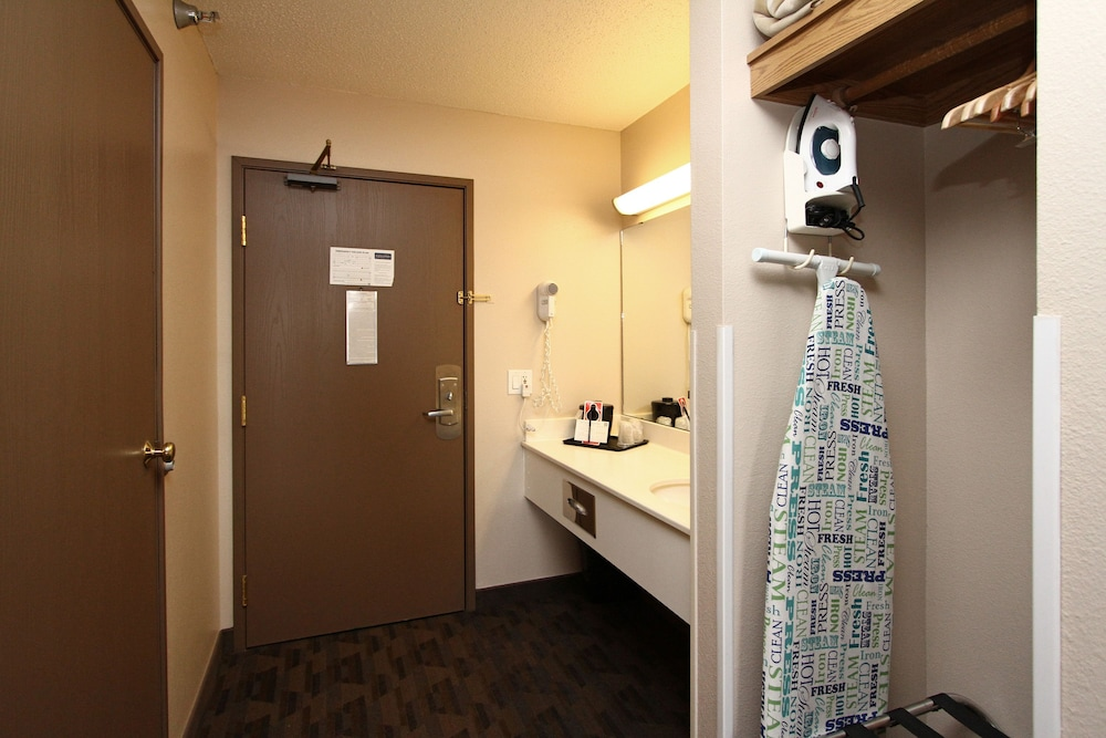 New Victorian Suites Deals Amp Reviews Lincoln Usa Wotif