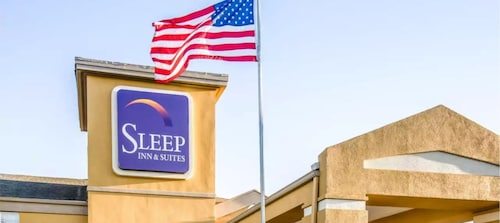 Sleep Inn Near Outlets