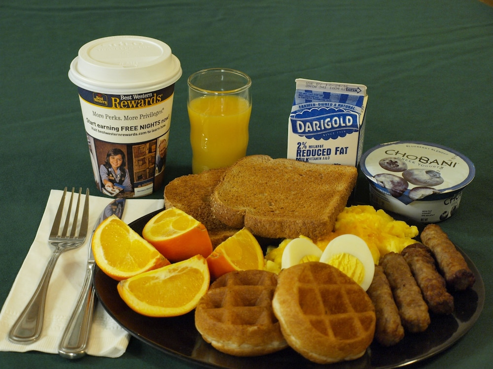 Breakfast Meal, Best Western Plus Caldwell Inn & Suites