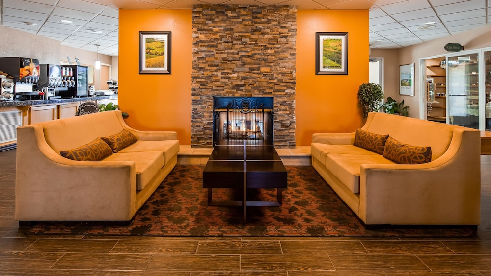 Lobby, Best Western Plus Caldwell Inn & Suites