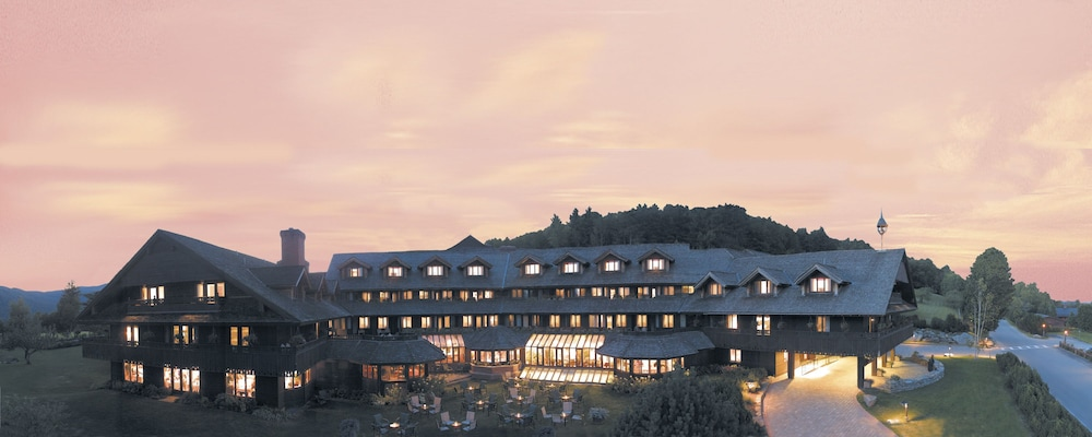 Front of Property - Evening/Night, Trapp Family Lodge