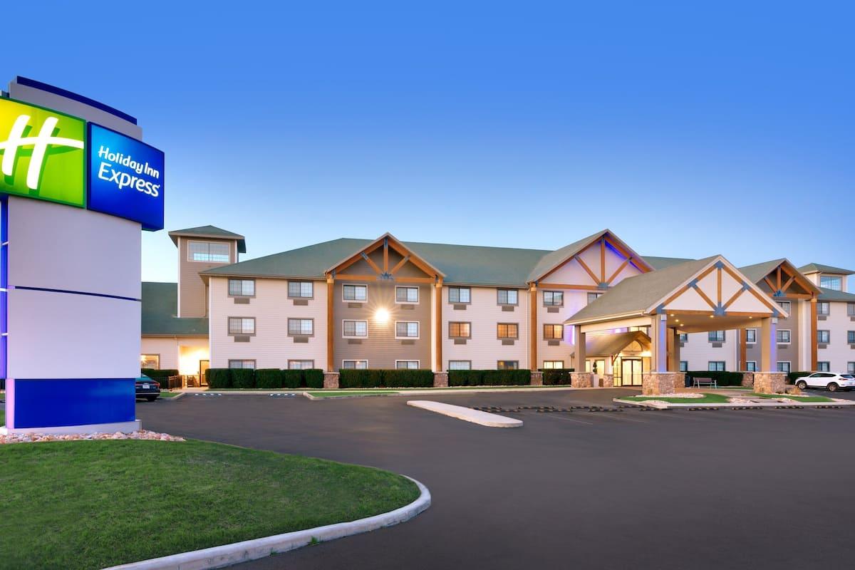 Holiday Inn Express Heber City In Park City Ut Expedia