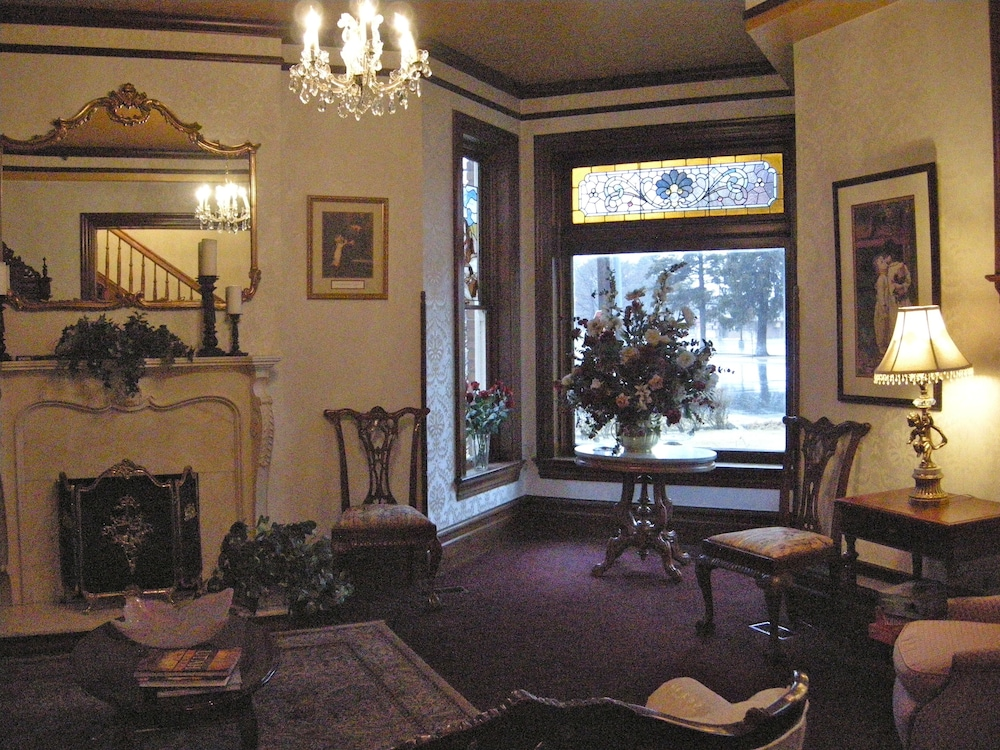 Lobby Sitting Area, Hines Mansion