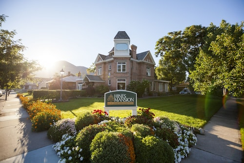 Great Place to stay Hines Mansion near Provo