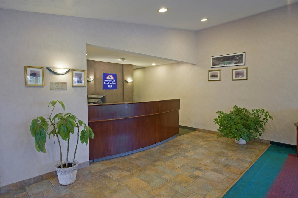 Lobby, Americas Best Value Inn Lansing