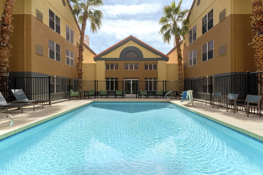 Pool, Homewood Suites Phoenix Chandler