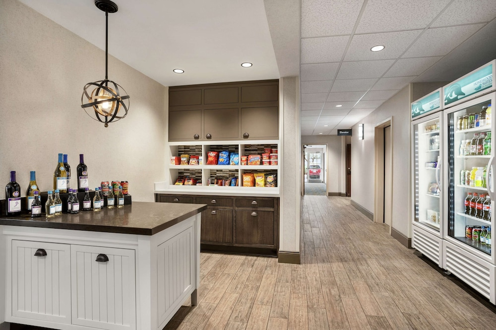 Snack Bar, Homewood Suites Phoenix Chandler