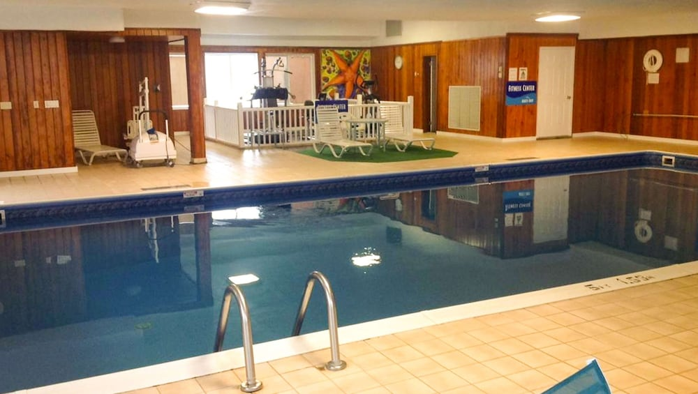 Indoor Pool, Colonial Inn Ellsworth