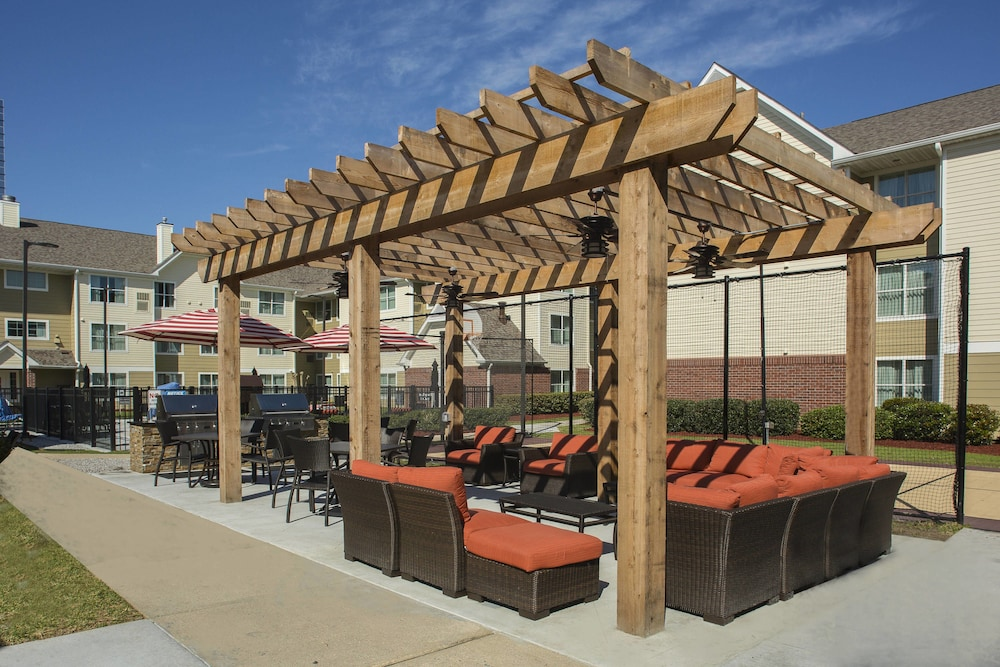 BBQ/Picnic Area, Residence Inn by Marriott New Orleans Metairie