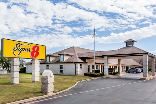 Great Place to stay Super 8 by Wyndham Cleburne near Cleburne
