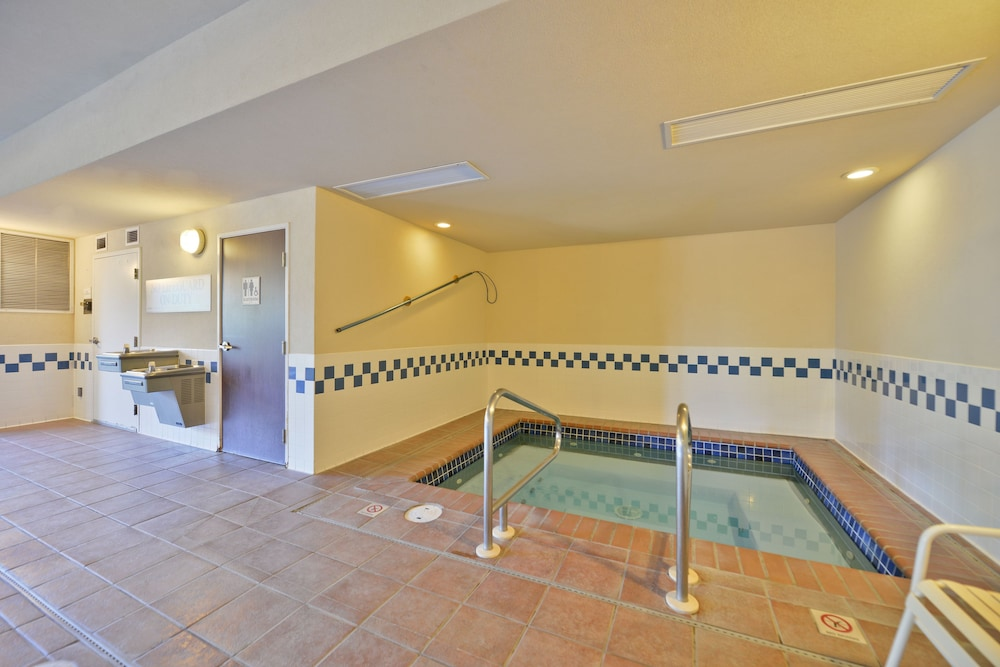 Indoor Pool, ClubHouse Inn West Yellowstone