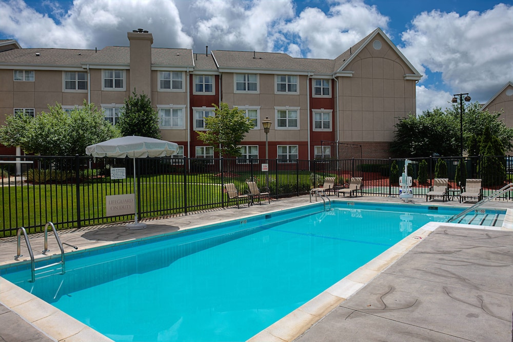 Pool, Residence Inn by Marriott Gaithersburg Washingtonian Center