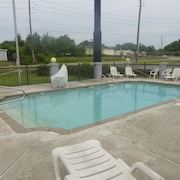 Red Roof Inn & Suites Mobile - Tillmans Corner