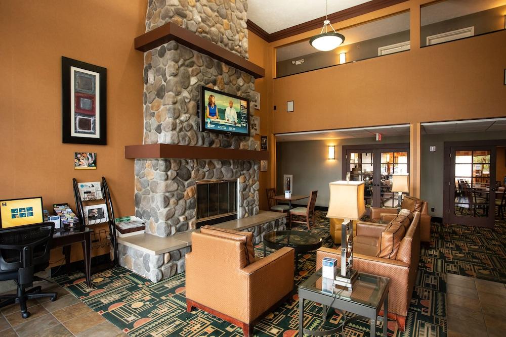 Comfort Inn Traverse City In Traverse City Hotel Rates Reviews On Orbitz