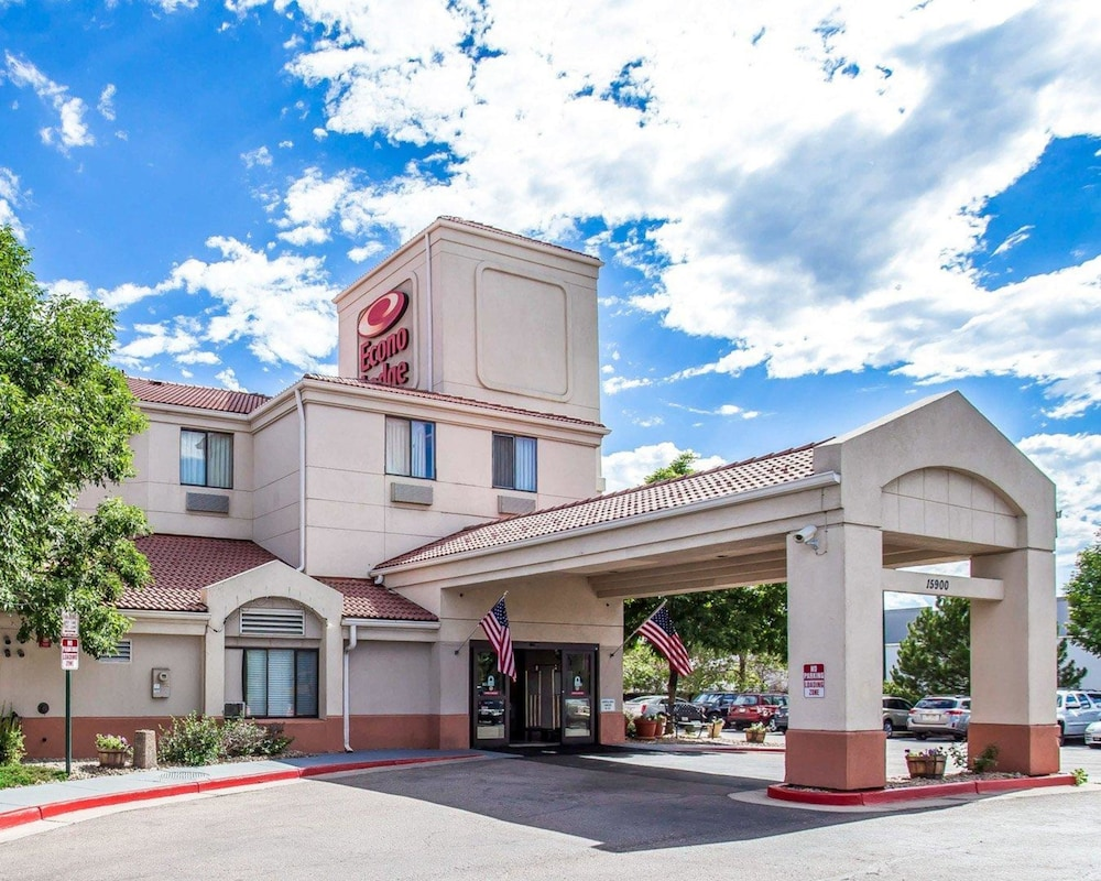 Exterior, Econo Lodge Denver International Airport