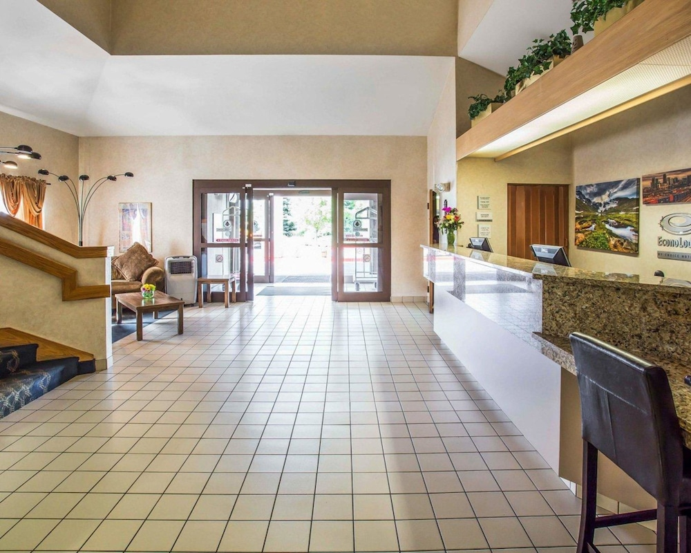 Lobby, Econo Lodge Denver International Airport