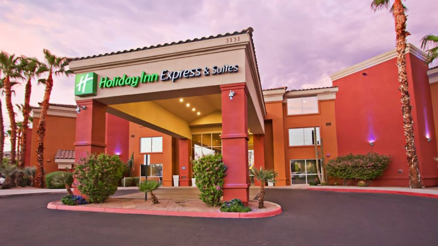 Holiday Inn Express Hotel & Suites Scottsdale - Old Town, an IHG Hotel