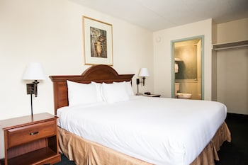 Deluxe Room, 1 King Bed - Guestroom