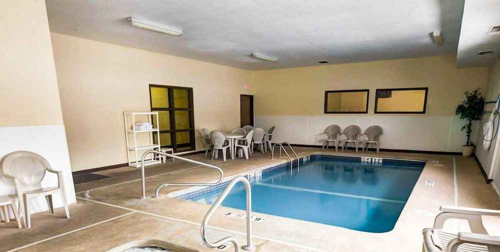 Quality Inn Suites Lenexa Kansas City In Kansas City Hotel Rates Reviews On Orbitz