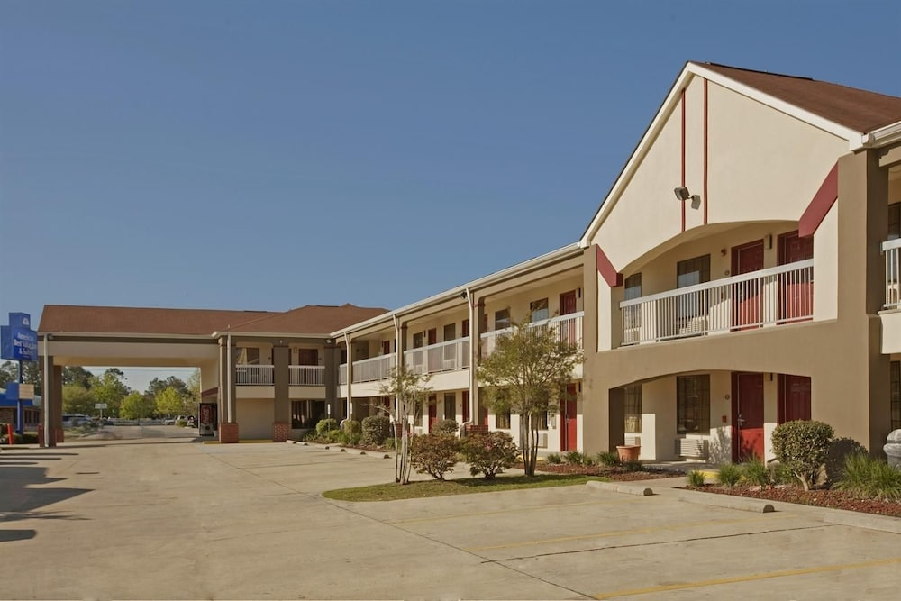 Property Entrance, Americas Best Value Inn & Suites Slidell