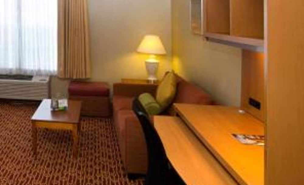 Room, TownePlace Suites By Marriott St. Louis Fenton