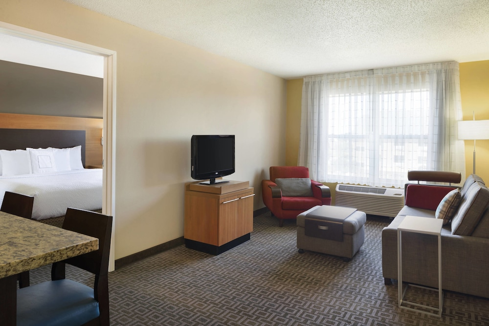 Room, TownePlace Suites Chicago Naperville