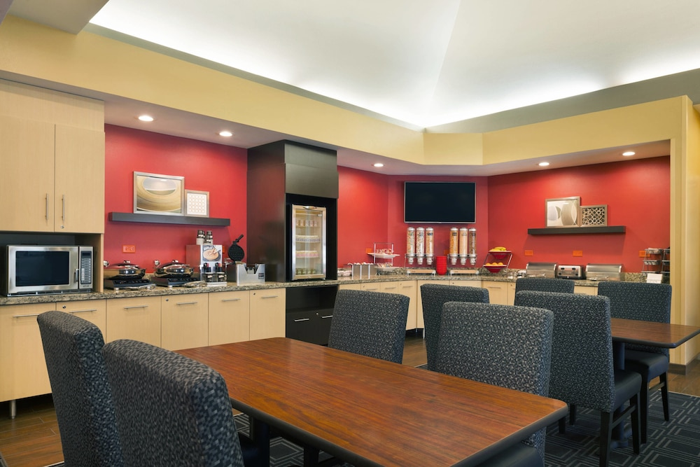Breakfast Area, TownePlace Suites Chicago Naperville