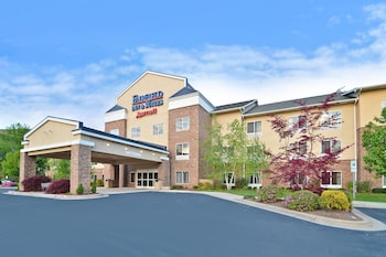 Fairfield Inn Suites by Marriott Cherokee