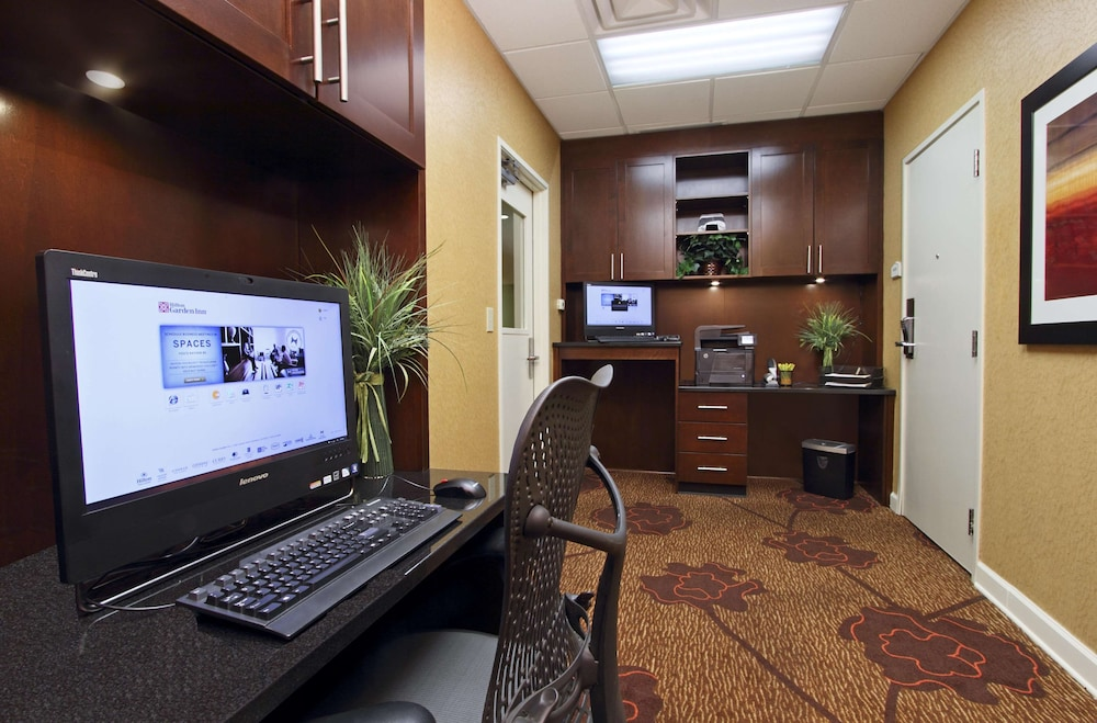 Business Center, Hilton Garden Inn Columbus Airport