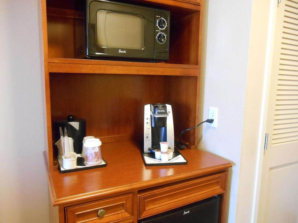 Coffee and/or Coffee Maker, Hilton Garden Inn Columbus Airport