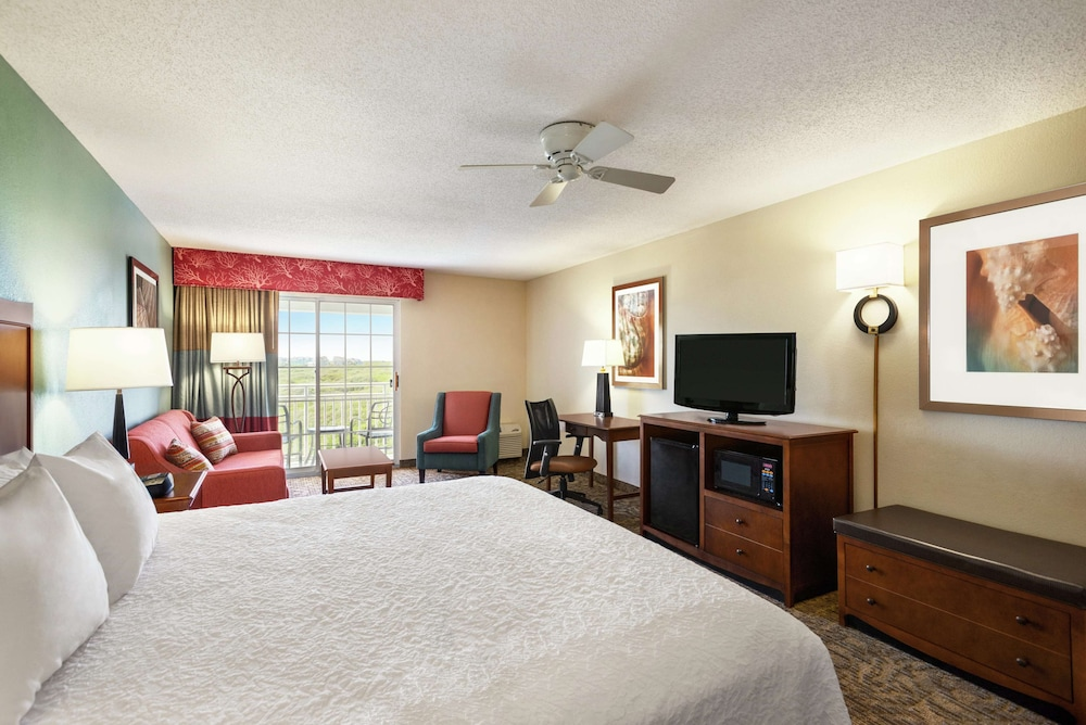 Room, Hampton Inn & Suites Outer Banks-Corolla