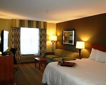 Room, Hampton Inn LaPorte IN