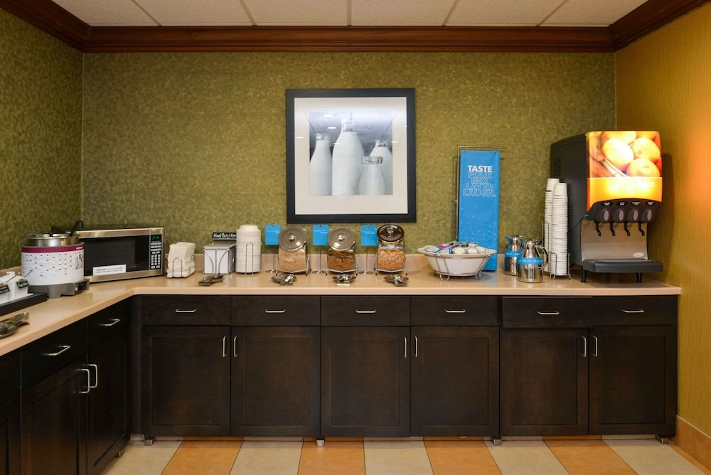 Restaurant, Hampton Inn & Suites Springboro
