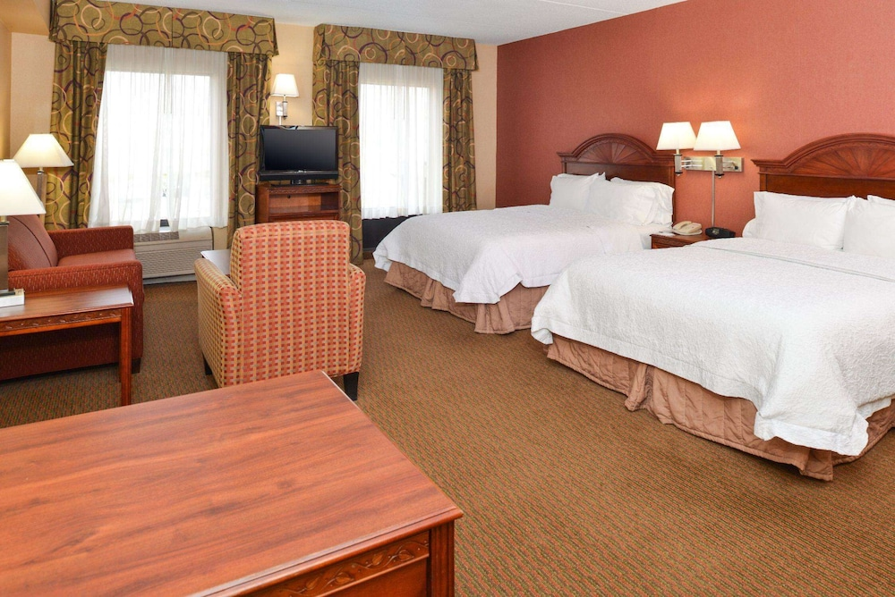 Room, Hampton Inn & Suites Springboro